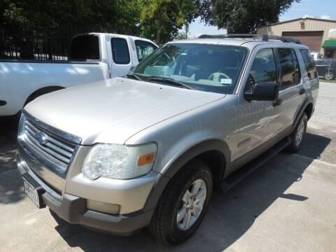 2006 Ford Explorer for sale at SCOTT HARRISON MOTOR CO in Houston TX