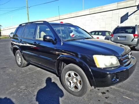 2002 Toyota Highlander for sale at DONNY MILLS AUTO SALES in Largo FL
