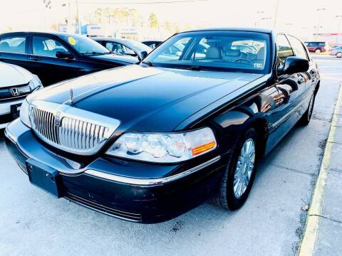 2006 Lincoln Town Car for sale at Auto Space LLC in Norfolk VA