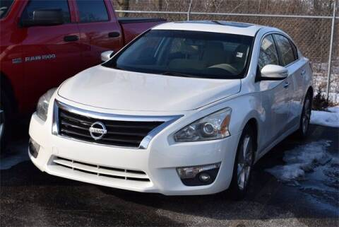 2014 Nissan Altima for sale at BOB ROHRMAN FORT WAYNE TOYOTA in Fort Wayne IN