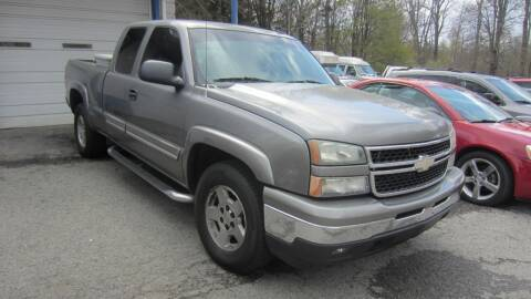 2006 Chevrolet Silverado 1500 for sale at Auto Outlet of Morgantown in Morgantown WV