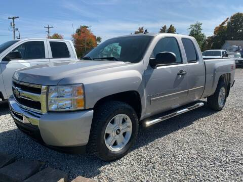 2009 Chevrolet Silverado 1500 for sale at HILLS AUTO LLC in Henryville IN