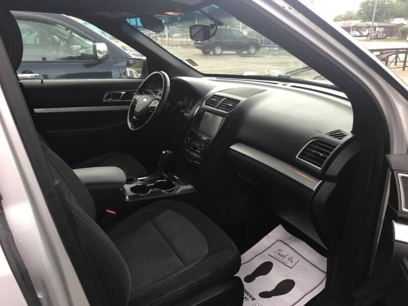 2016 Ford Explorer XLT 4dr SUV - San Antonio TX