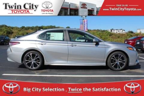 2020 Toyota Camry Hybrid for sale at Twin City Toyota in Herculaneum MO