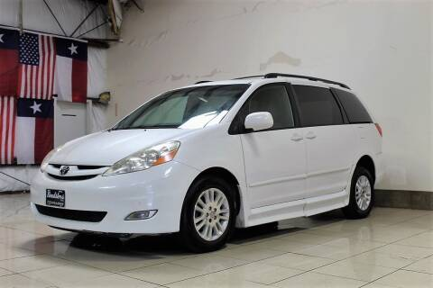2009 Toyota Sienna for sale at ROADSTERS AUTO in Houston TX