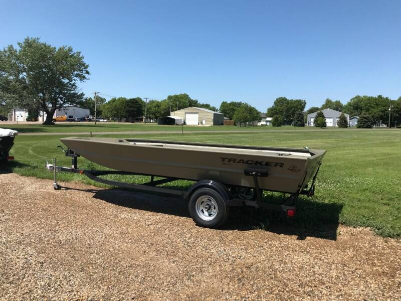 2021 Tracker GRIZZLY 1754 for sale in Tyndall, SD
