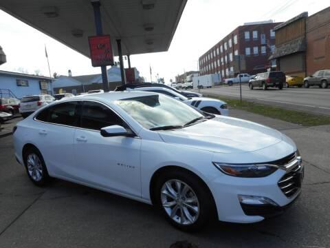2019 Chevrolet Malibu for sale at River City Auto Center LLC in Chester IL