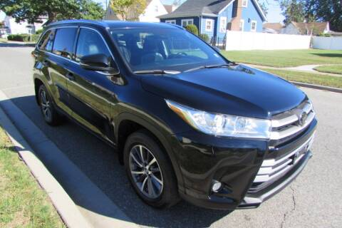 2018 Toyota Highlander for sale at First Choice Automobile in Uniondale NY