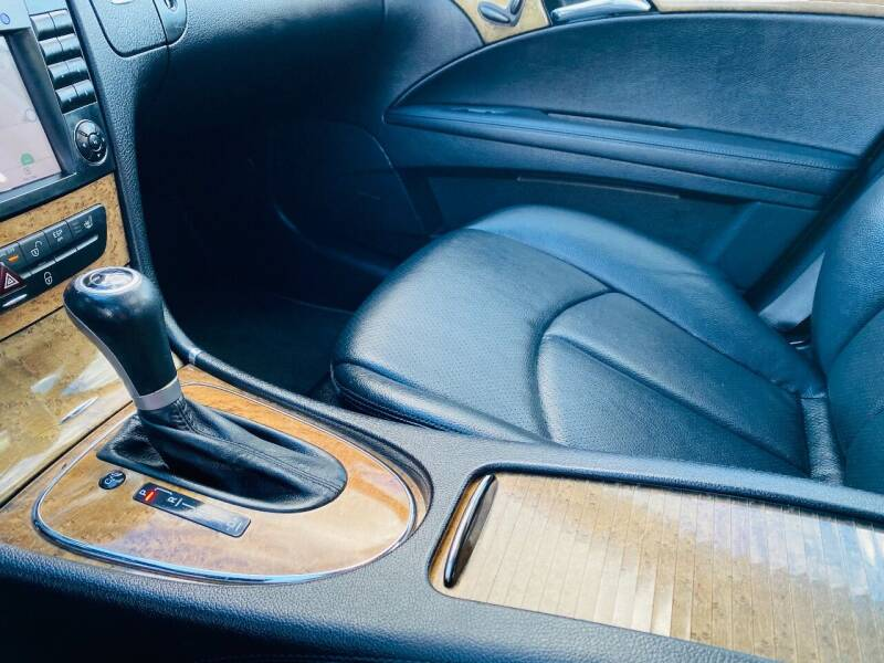 2008 Mercedes-Benz E-Class AWD E 350 4MATIC 4dr Sedan - Saint Francis WI