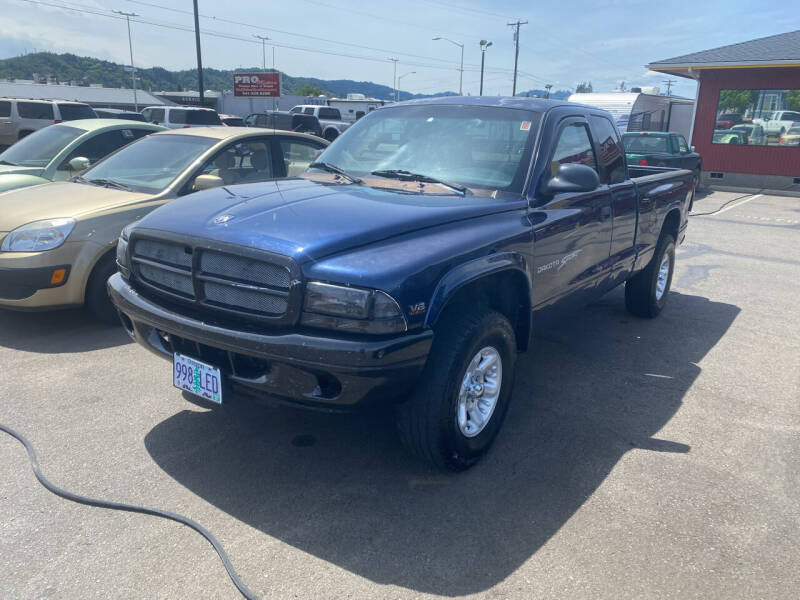 2001 Dodge Dakota for sale at Pro Motors in Roseburg OR