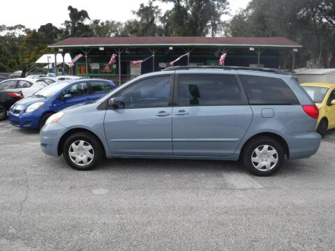 2006 Toyota Sienna for sale at CARS CARS CARS INC in Apopka FL