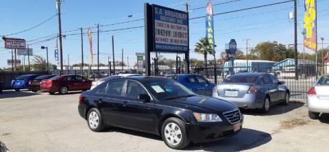 2010 Hyundai Sonata for sale at S.A. BROADWAY MOTORS INC in San Antonio TX