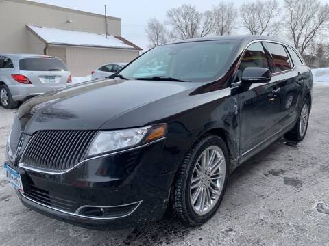 2015 Lincoln MKT for sale at MIDWEST CAR SEARCH in Fridley MN
