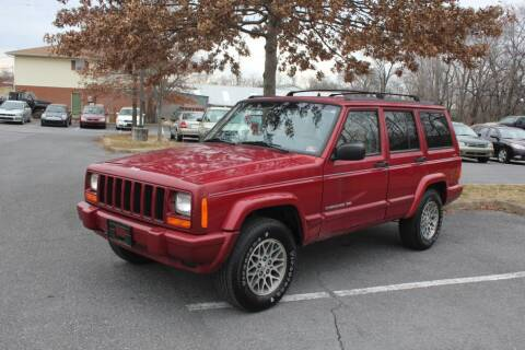 1998 Jeep Cherokee for sale at Auto Bahn Motors in Winchester VA