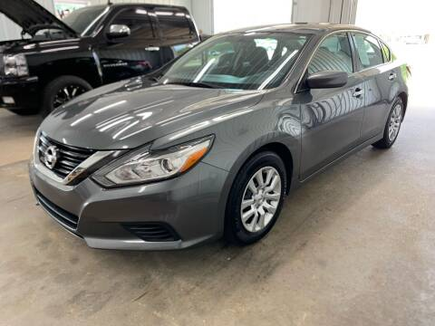 2017 Nissan Altima for sale at Bennett Motors, Inc. in Mayfield KY