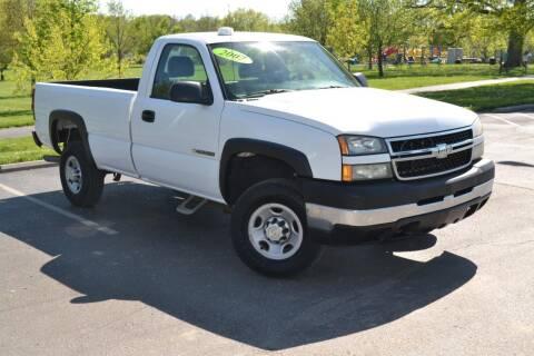 2007 Chevrolet Silverado 2500HD Classic for sale at GLADSTONE AUTO SALES    GUARANTEED CREDIT APPROVAL in Gladstone MO