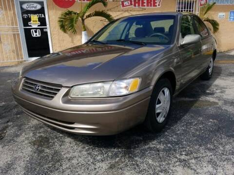 1999 Toyota Camry for sale at VALDO AUTO SALES in Hialeah FL