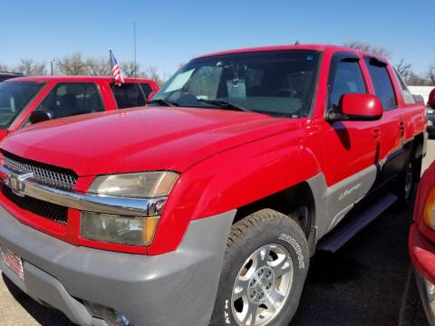 2002 Chevrolet Avalanche for sale at L & J Motors in Mandan ND