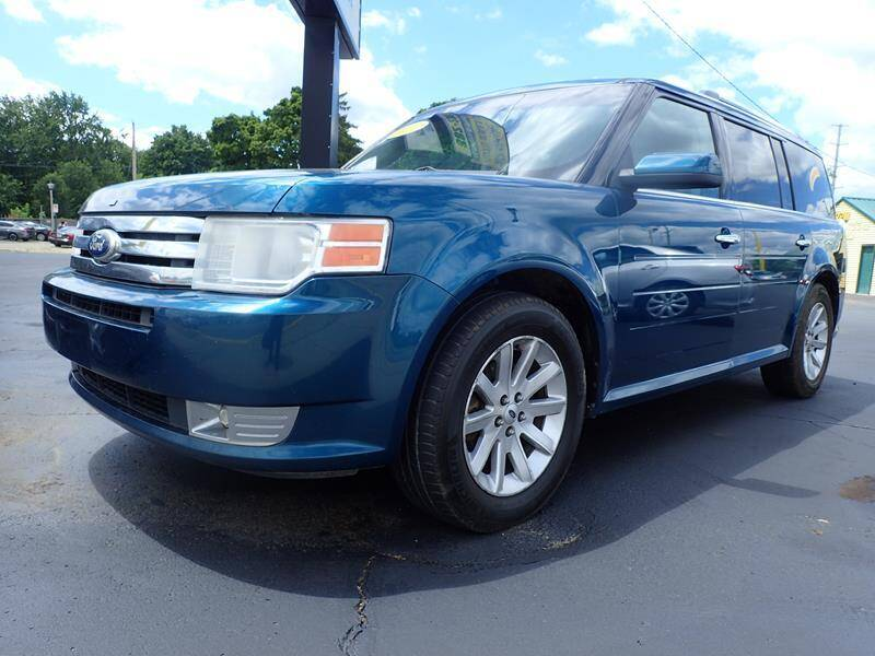 2011 Ford Flex for sale at RPM AUTO SALES in Lansing MI