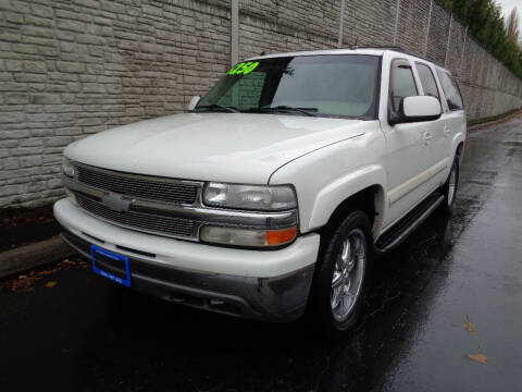2005 Chevrolet Suburban for sale at Matthews Motors LLC in Algona WA