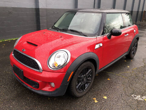 2013 MINI Hardtop for sale at APX Auto Brokers in Lynnwood WA