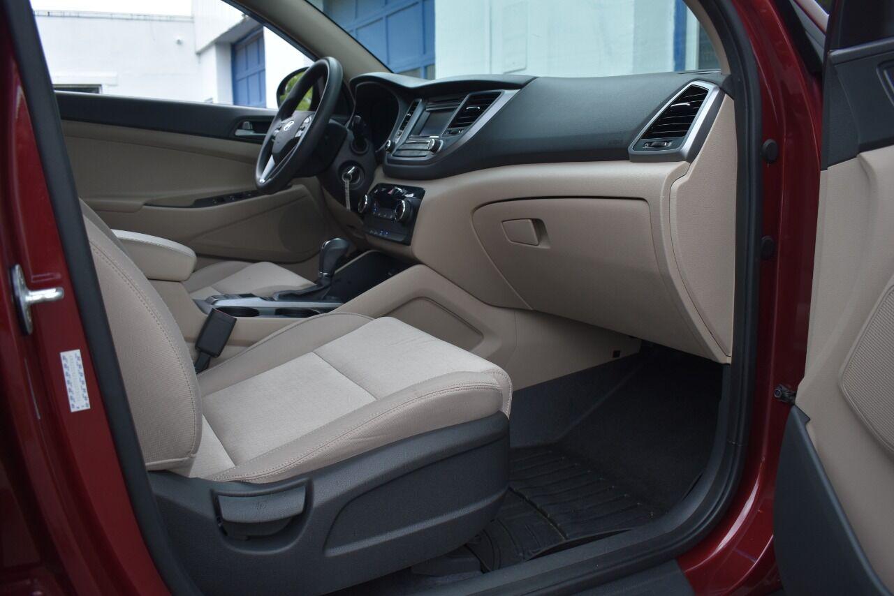 2016 Hyundai Tucson Limited AWD 4dr SUV full