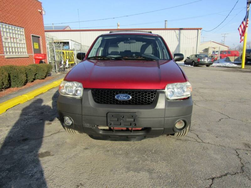 2005 Ford Escape for sale at X Way Auto Sales Inc in Gary IN