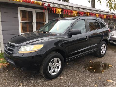 2009 Hyundai Santa Fe for sale at Antique Motors in Plymouth IN
