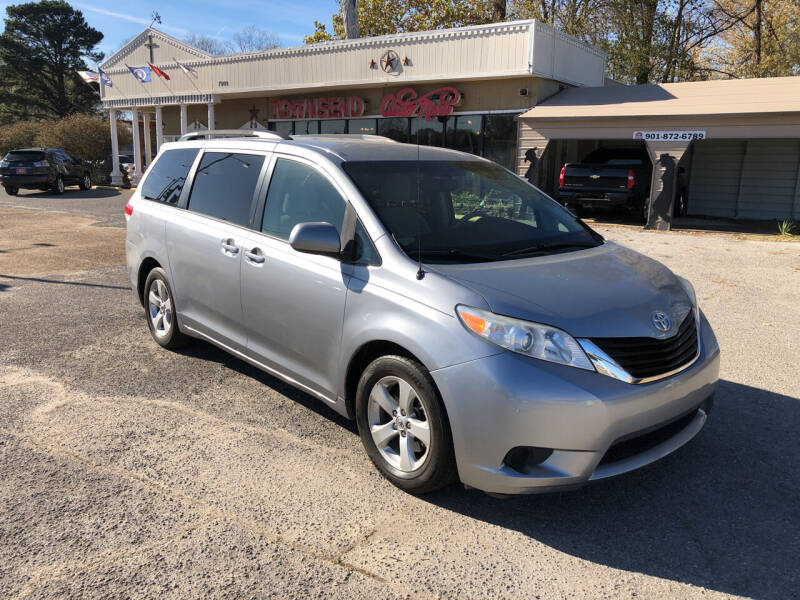 2014 Toyota Sienna for sale at Townsend Auto Mart in Millington TN