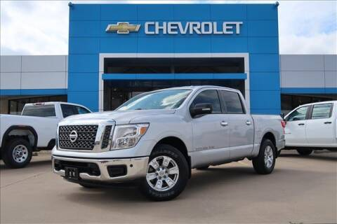 2018 Nissan Titan for sale at Lipscomb Auto Center in Bowie TX