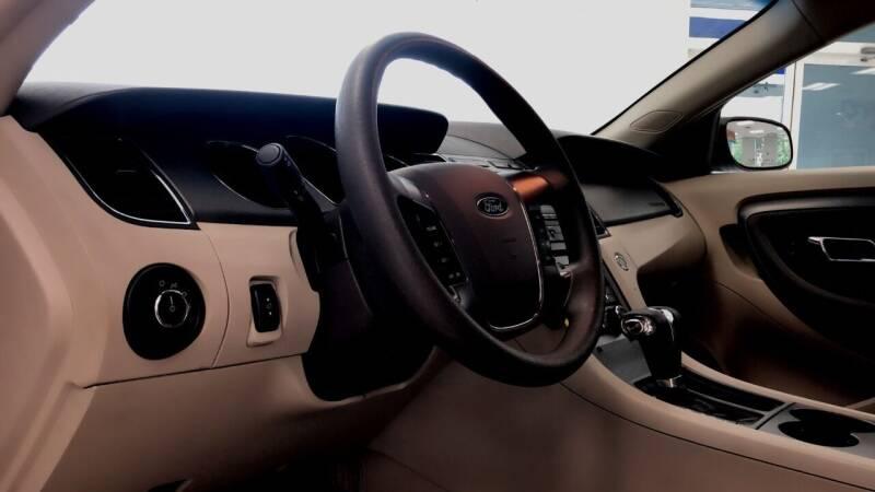 2011 Ford Taurus SE 4dr Sedan - Phillipston MA
