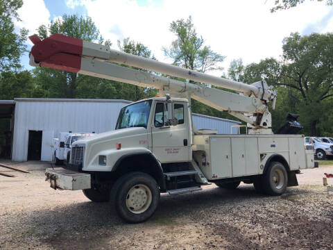 2001 Freightliner FL80 for sale at M & W MOTOR COMPANY in Hope AR