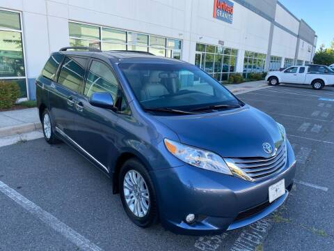 2017 Toyota Sienna for sale at Super Bee Auto in Chantilly VA