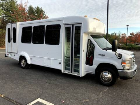 2014 Ford E450 5 Position Wheelchair Bus for sale at Major Vehicle Exchange in Westbury NY