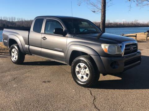 2010 Toyota Tacoma for sale at Monroe Auto's, LLC in Parsons TN