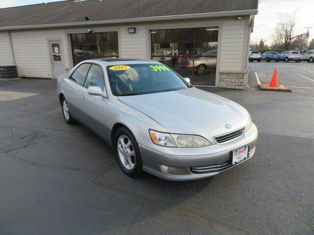 2001 Lexus ES 300 for sale at Tri-County Pre-Owned Superstore in Reynoldsburg OH