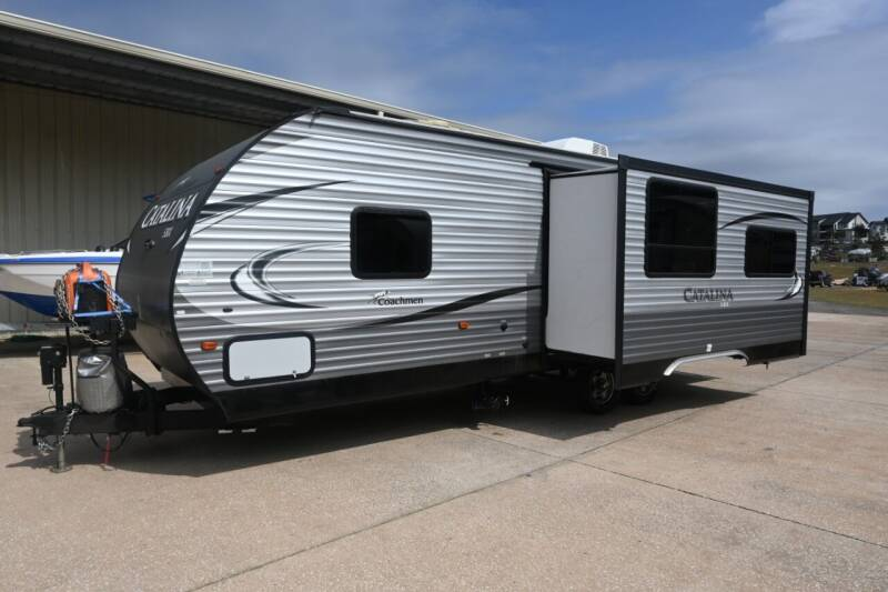 2017 Coachmen by Forest River Catalina SBX Series 251RLS for sale at Thurston Auto and RV Sales in Clermont FL