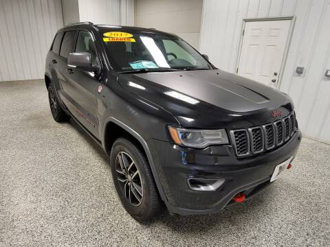2017 Jeep Grand Cherokee for sale at LaFleur Auto Sales in North Sioux City SD