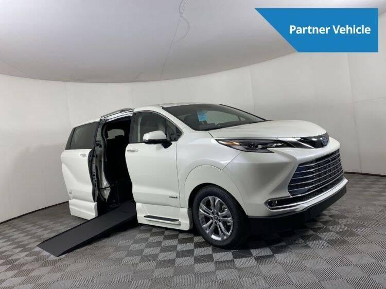 2021 Toyota Sienna for sale at AMS Vans in Tucker GA