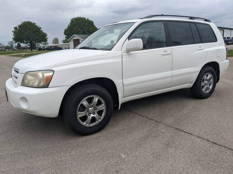 2004 Toyota Highlander for sale at McClain Auto Mall in Rochelle IL