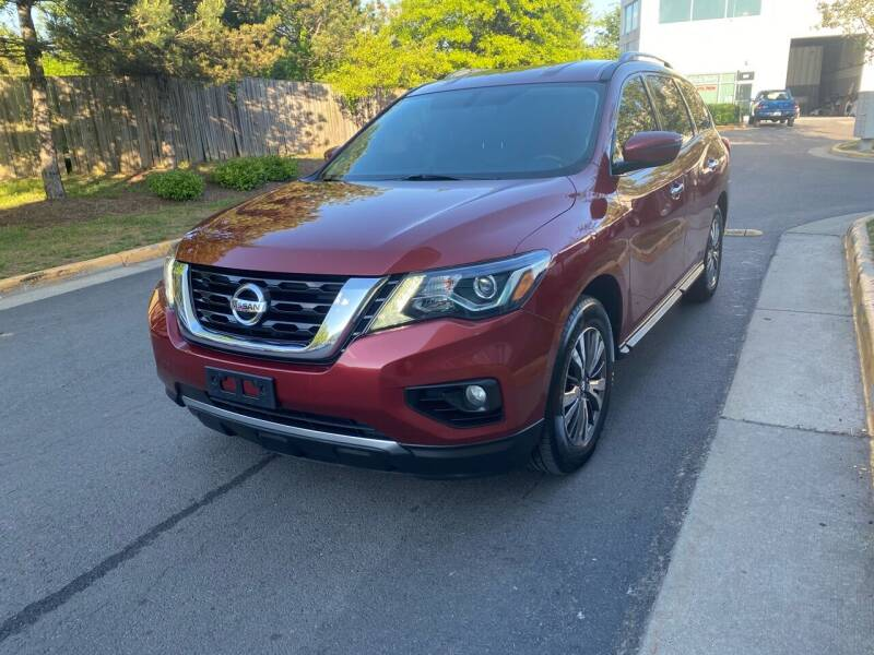 2017 Nissan Pathfinder for sale at Super Bee Auto in Chantilly VA
