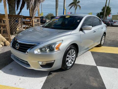 2014 Nissan Altima for sale at D&S Auto Sales, Inc in Melbourne FL