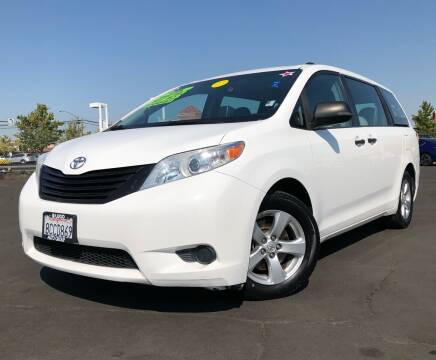 2013 Toyota Sienna for sale at LUGO AUTO GROUP in Sacramento CA