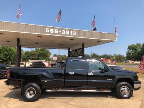 2006 Chevrolet Silverado 3500 for sale at BOB SMITH AUTO SALES in Mineola TX
