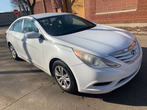 2011 Hyundai Sonata for sale at Square Business Automotive in Milwaukee WI