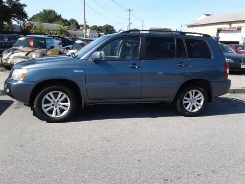 2006 Toyota Highlander Hybrid for sale at Nelsons Auto Specialists in New Bedford MA
