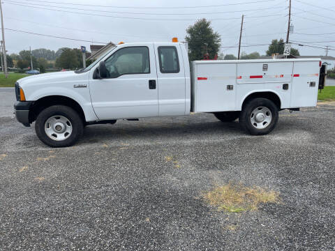 2006 Ford F-350 Super Duty for sale at Apple Auto Repair Inc / Christiana Auto Sales in Christiana PA