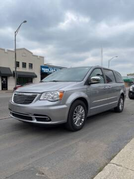2013 Chrysler Town and Country for sale at Elmwood Park Auto Haus in Elmwood Park IL