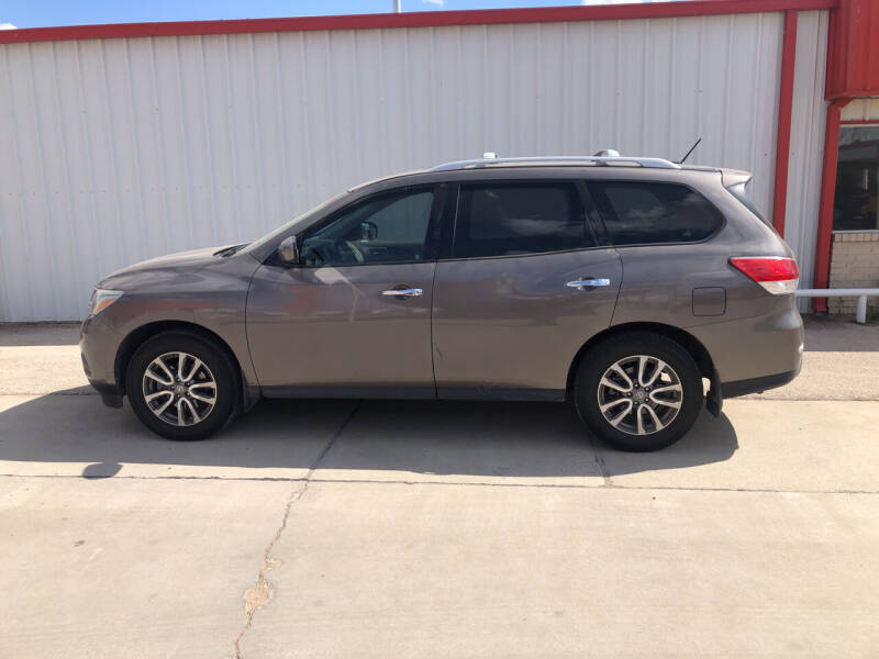2014 Nissan Pathfinder for sale at WESTERN MOTOR COMPANY in Hobbs NM