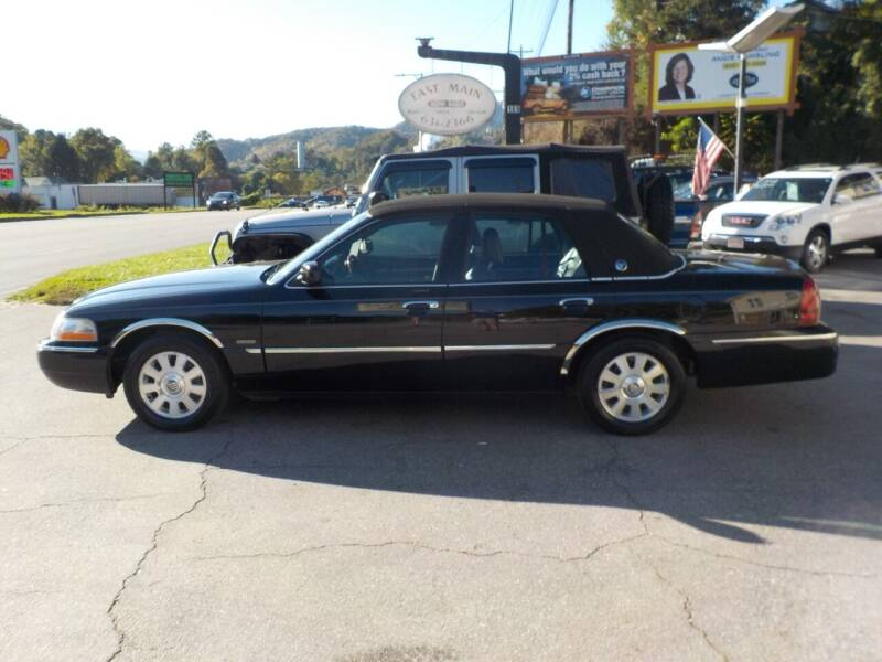 2005 Mercury Grand Marquis for sale at EAST MAIN AUTO SALES in Sylva NC